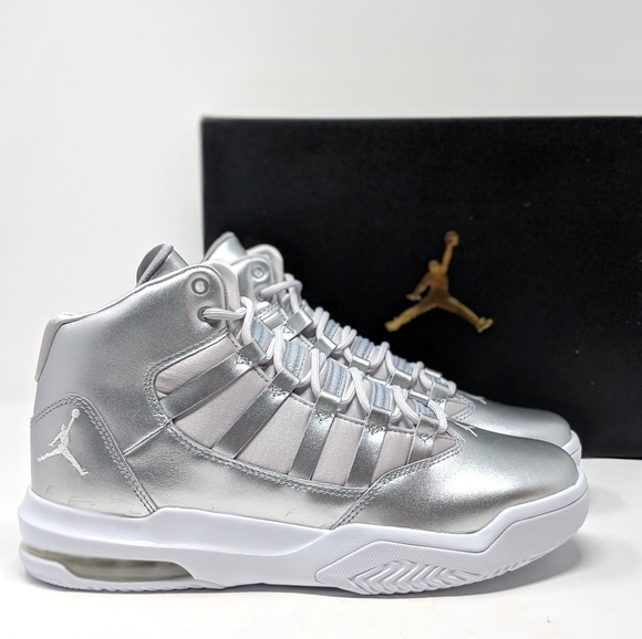 New Jordan Max Aura Basketball Nib